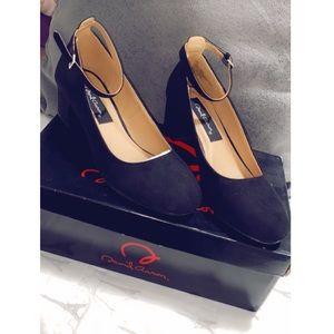 NEW short pump heels - black